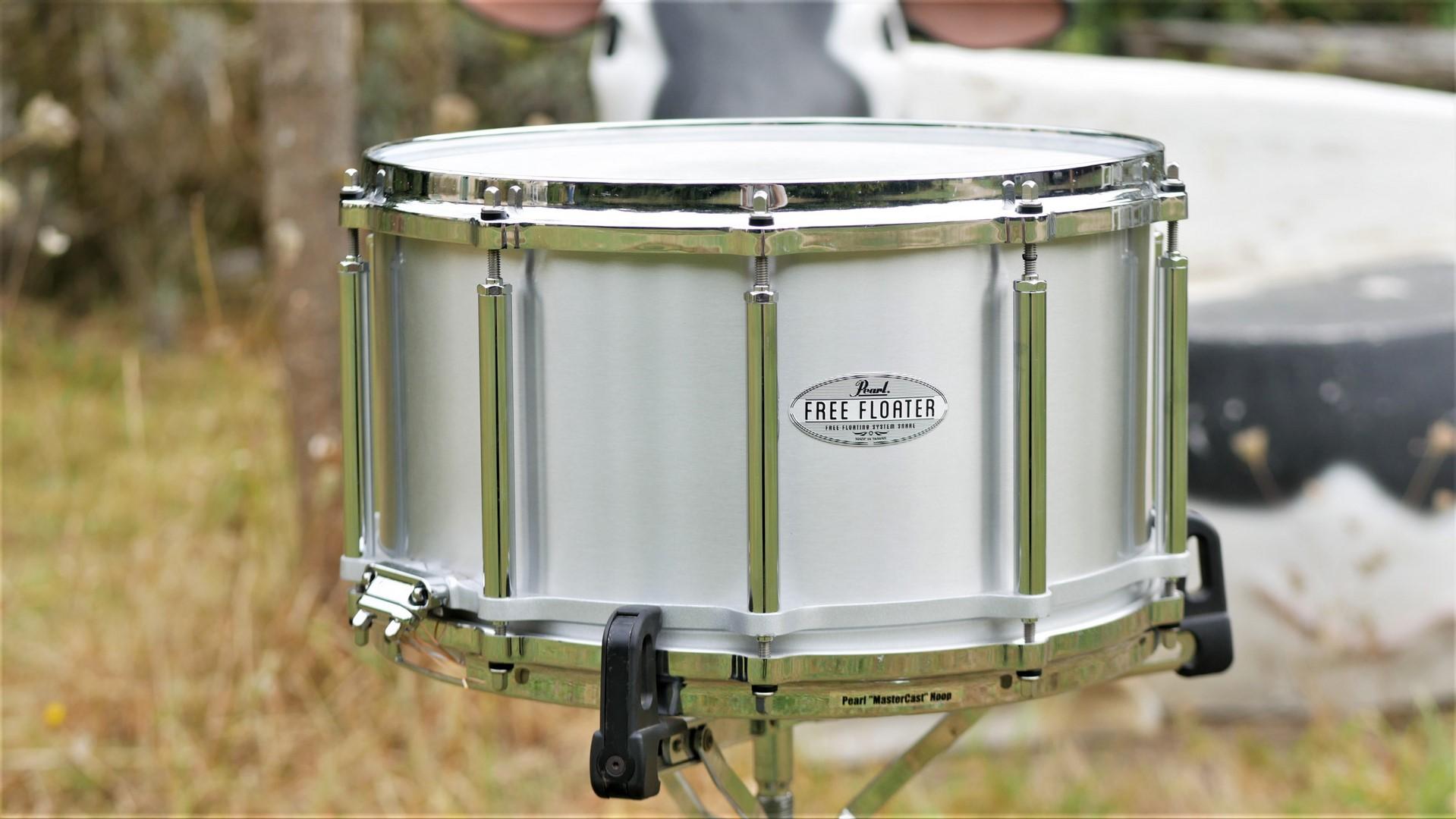 studio-la-boite-a-meuh-pearl-free-floating-aluminium-14x8